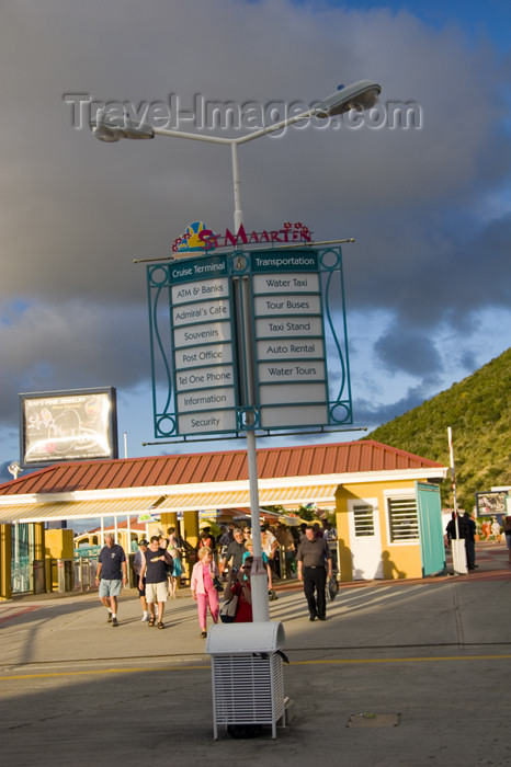 saint-martin44: Sint-Maarten - Pointe Blanche: cruise terminal - photo by D.Smith - (c) Travel-Images.com - Stock Photography agency - Image Bank