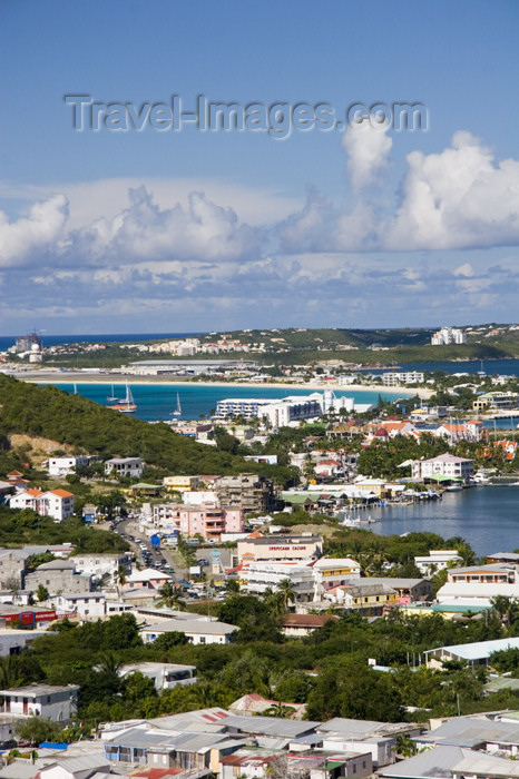 saint-martin6: Sint-Maarten - Simpson bay: the isthmus - photo by D.Smith - (c) Travel-Images.com - Stock Photography agency - Image Bank