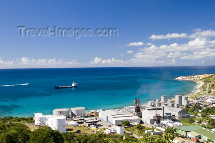 saint-martin7: Sint Maarten - Cole Bay: Texaco and Shell fuel depot - oil storage - photo by D.Smith - (c) Travel-Images.com - Stock Photography agency - Image Bank