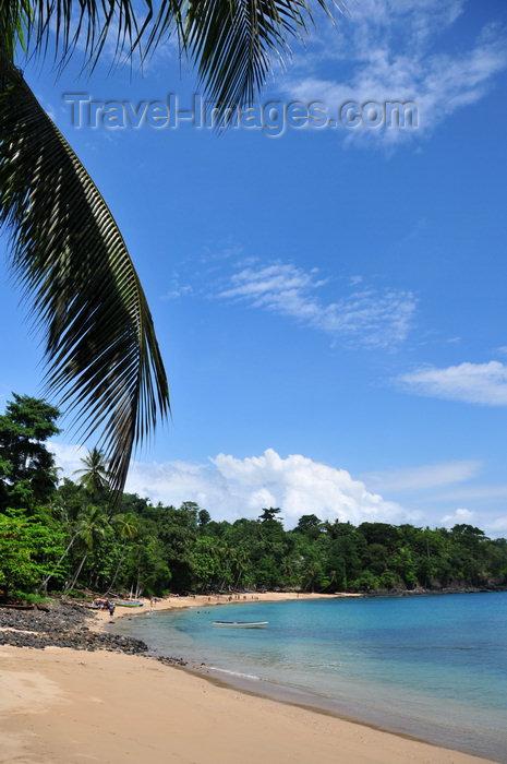 sao-tome112: Santana, Cantagalo district, São Tomé and Prícipe / STP: the perfect beach of Hotel Club Santana Resort / praia perfeita - photo by M.Torres - (c) Travel-Images.com - Stock Photography agency - Image Bank