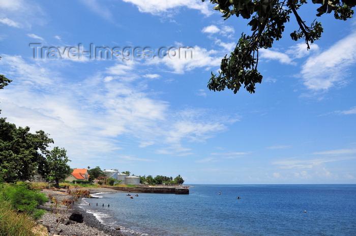 sao-tome177: Neves, Lembá district, São Tomé and Príncipe / STP: beach and harbour / praia e porto - photo by M.Torres - (c) Travel-Images.com - Stock Photography agency - Image Bank