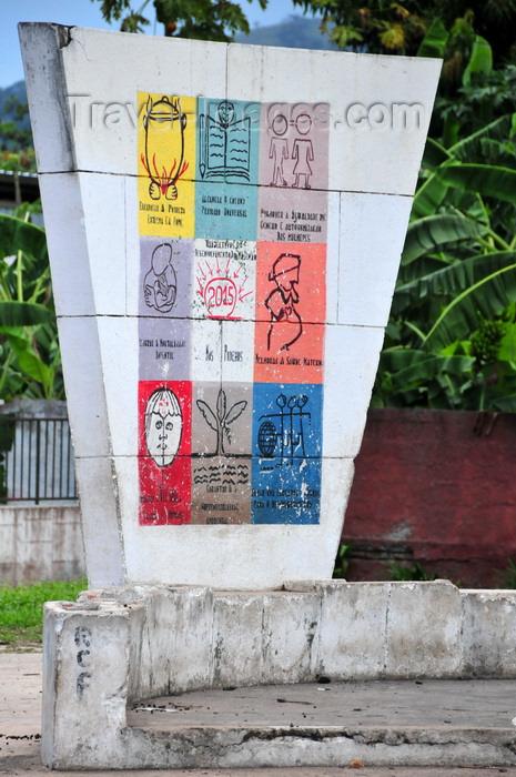 sao-tome181: Neves, Lembá district, São Tomé and Príncipe / STP: develoment dreams, aka wildest dreams / objectivos de desenvolvimento - photo by M.Torres - (c) Travel-Images.com - Stock Photography agency - Image Bank