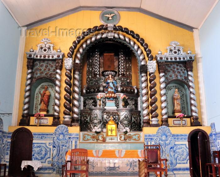 sao-tome214: São Tomé, Água Grande, São Tomé and Príncipe / STP: altar - interior of the Church of Our Lady of the Conception - 'Boa Conceição' / altar - interior da Igreja de Nossa Senhora da Conceição - photo by M.Torres - (c) Travel-Images.com - Stock Photography agency - Image Bank