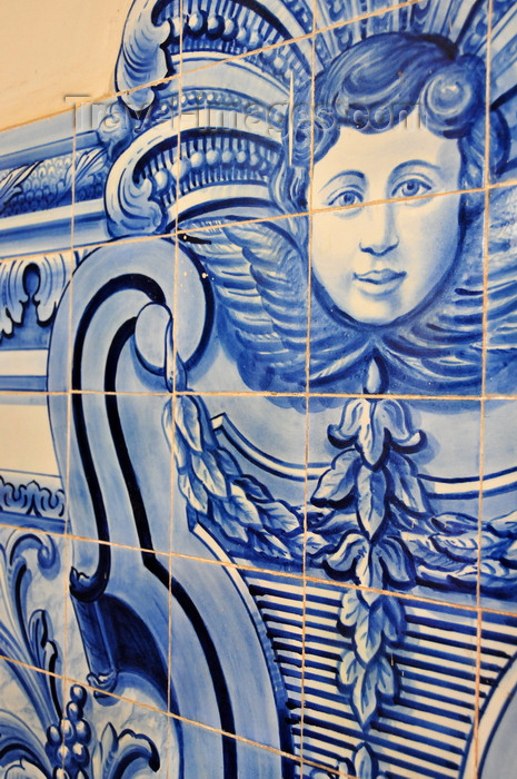 sao-tome226: São Tomé, São Tomé and Príncipe / STP: cherub - frieze of blue-white at the Cathedral of São Tomé - Our Lady of Grace / querubim - azulejos na Catedral de São Tomé - Igreja da Sé - Nossa Senhora da Graça - photo by M.Torres - (c) Travel-Images.com - Stock Photography agency - Image Bank