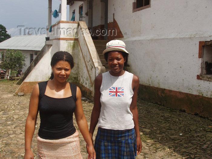 sao-tome24: São Tomé e Príncipe - Roça Monte Café: local women / mulheres - photo by B.Cloutier - (c) Travel-Images.com - Stock Photography agency - Image Bank