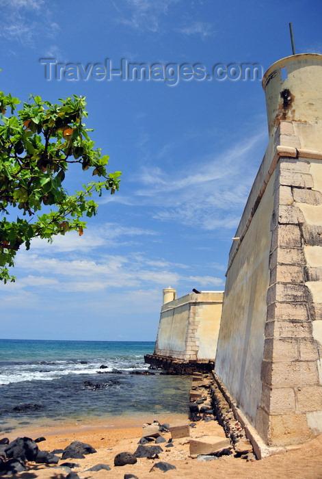 sao-tome243: São Tomé, São Tomé and Príncipe / STP: Portuguese fort of Saint Sebastian - north side / Forte de São Sebastião - lado norte - photo by M.Torres - (c) Travel-Images.com - Stock Photography agency - Image Bank