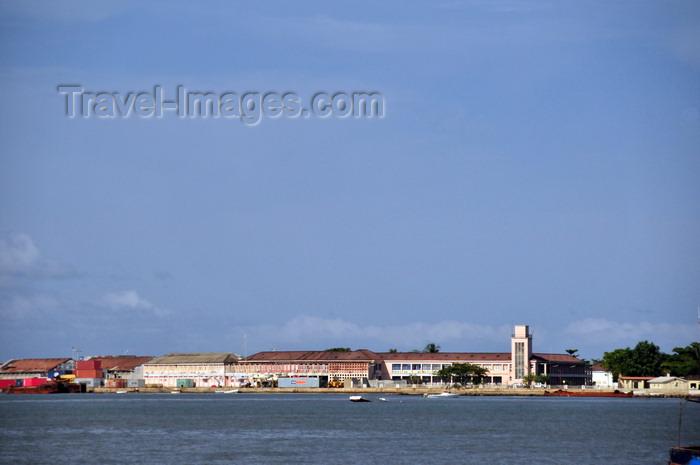 sao-tome278: São Tomé, São Tomé and Príncipe / STP: harbour and customs - Ana Chaves bay / porto e alfândega - baía de Ana Chaves - photo by M.Torres - (c) Travel-Images.com - Stock Photography agency - Image Bank