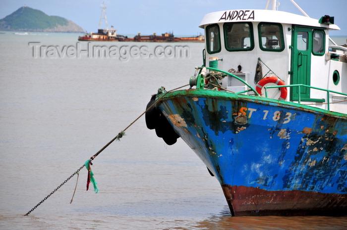 sao-tome32: São Tomé, São Tomé and Príncipe / STP: fishing boat Andrea / traineira Andrea - photo by M.Torres - (c) Travel-Images.com - Stock Photography agency - Image Bank