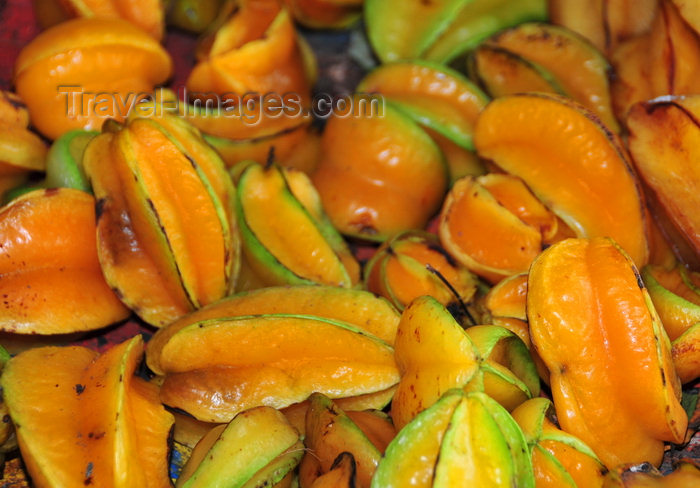sao-tome70: São João plantation / roça São João, Caué district, São Tomé and Prícipe / STP: starfruit - the fruit of Averrhoa carambola tree / carambolas - photo by M.Torres - (c) Travel-Images.com - Stock Photography agency - Image Bank
