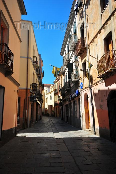 sardinia111: Iglesias /  Igrèsias, Carbonia-Iglesias province, Sardinia / Sardegna / Sardigna: street in the old town - Sulcis-Iglesiente region - photo by M.Torres - (c) Travel-Images.com - Stock Photography agency - Image Bank