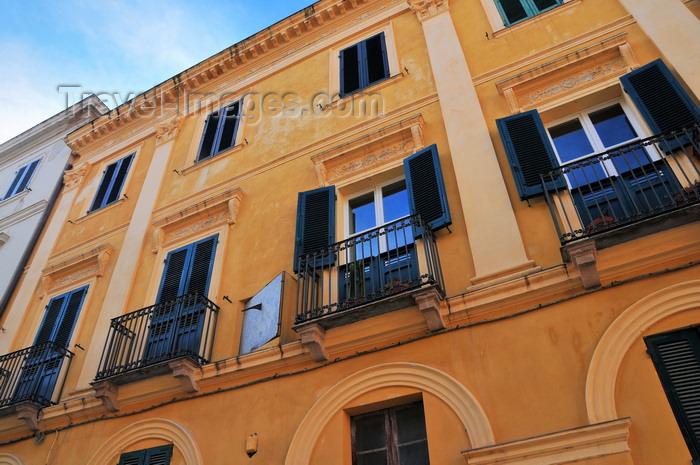 sardinia155: Alghero / L'Alguer, Sassari province, Sardinia / Sardegna / Sardigna: façade on Plaça de Pou Vell / Piazza Civica - photo by M.Torres - (c) Travel-Images.com - Stock Photography agency - Image Bank
