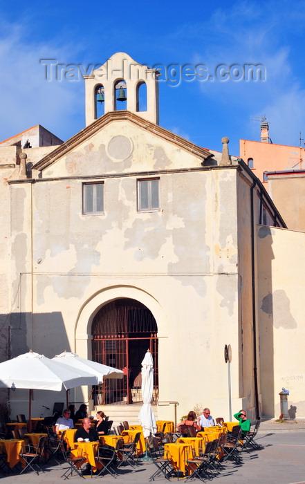 sardinia171: Alghero / L'Alguer, Sassari province, Sardinia / Sardegna / Sardigna: pavment café and the Mt.Carmel church - chiesa del Carmelo - Bastioni Marco Polo - photo by M.Torres - (c) Travel-Images.com - Stock Photography agency - Image Bank