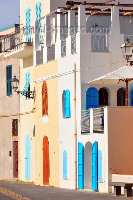 sardinia173: Alghero / L'Alguer, Sassari province, Sardinia / Sardegna / Sardigna: elegant vernacular architecture along Bastioni Marco Polo - photo by M.Torres - (c) Travel-Images.com - Stock Photography agency - Image Bank
