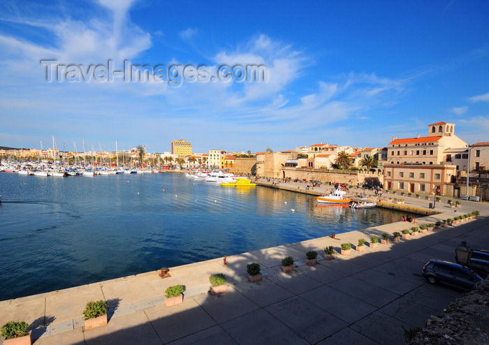 sardinia181: Alghero / L'Alguer, Sassari province, Sardinia / Sardegna / Sardigna: panorama of the Porto Antico from the Magellan bastion - the town is know as Barceloneta, for its Catalan heritage - photo by M.Torres - (c) Travel-Images.com - Stock Photography agency - Image Bank