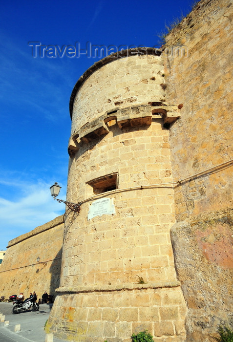 sardinia183: Alghero / L'Alguer, Sassari province, Sardinia / Sardegna / Sardigna: Maddalena bastion, facing the old harbour - Porto Antico - photo by M.Torres - (c) Travel-Images.com - Stock Photography agency - Image Bank