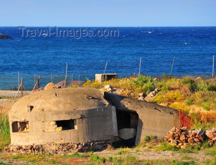 sardinia189: Porto Torres / Pòltu Tòrra, Sassari province, Sardinia / Sardegna / Sardigna: coastal bunker in ruins - a touch of Albania - photo by M.Torres - (c) Travel-Images.com - Stock Photography agency - Image Bank