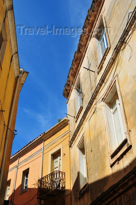 sardinia218: Sassari / Tàthari , Sassari province, Sardinia / Sardegna / Sardigna: narrow street in the old town - photo by M.Torres - (c) Travel-Images.com - Stock Photography agency - Image Bank