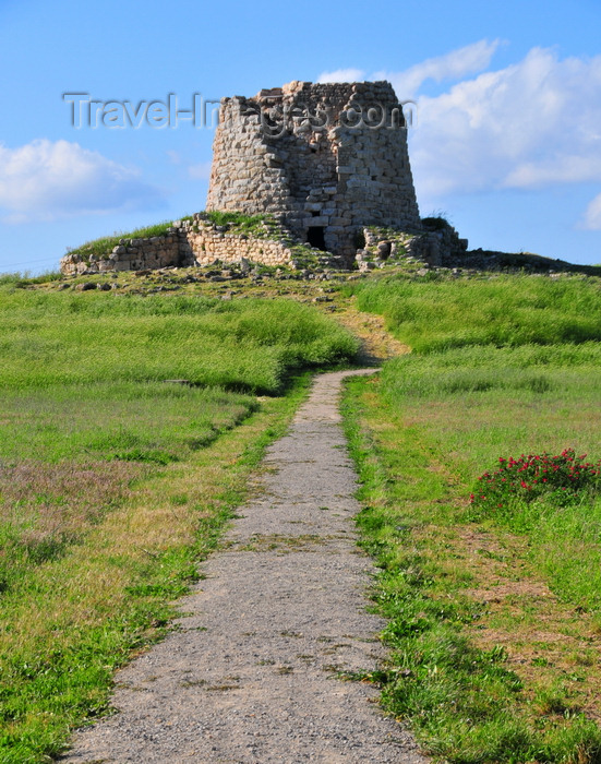 sardinia256: Isili, Cagliari province, Sardinia / Sardegna / Sardigna: path and Nuraghe Is Paras - built between the fifteenth and fourteenth centuries BC - Sarcidano sub-region - photo by M.Torres - (c) Travel-Images.com - Stock Photography agency - Image Bank