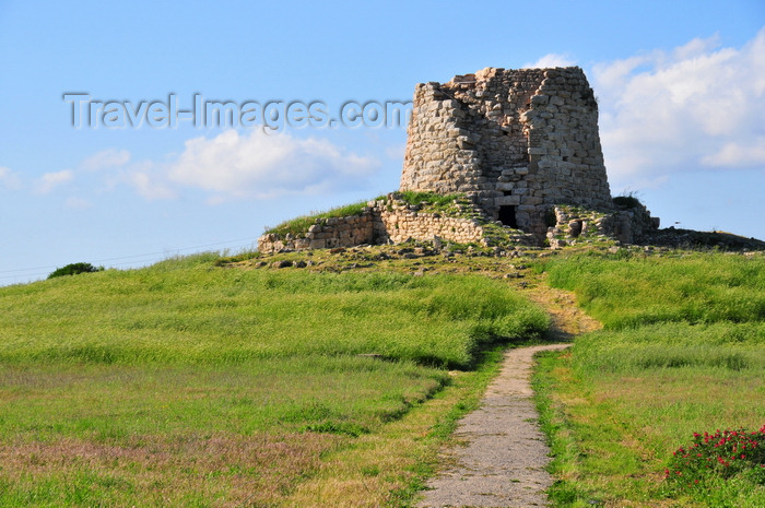 sardinia257: Isili, Cagliari province, Sardinia / Sardegna / Sardigna: Nuragic complex of Is Paras, built in white and brown limestone - the interior is a 11.8 m tall tholos - Sarcidano sub-region - photo by M.Torres - (c) Travel-Images.com - Stock Photography agency - Image Bank