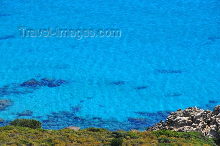 sardinia276: Castiadas municipality, Cagliari province, Sardinia / Sardegna / Sardigna: clear blue water of the Tyrrhenian Sea - Sarrabus sub-region - photo by M.Torres - (c) Travel-Images.com - Stock Photography agency - Image Bank