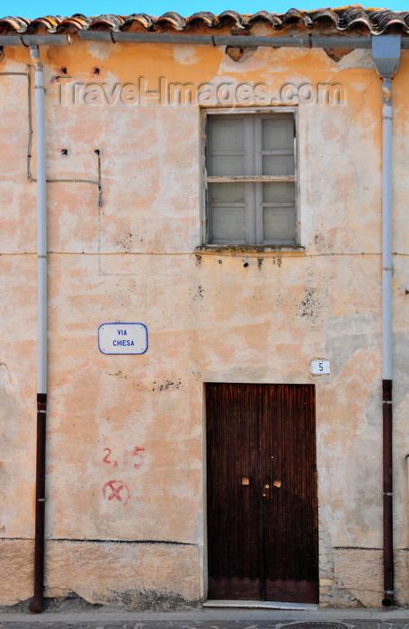 sardinia282: Muravera / Murèra, Cagliari province, Sardinia / Sardegna / Sardigna: modest house on Via Chiesa - rain gutter and downspouts - Sarrabus sub-region - photo by M.Torres - (c) Travel-Images.com - Stock Photography agency - Image Bank