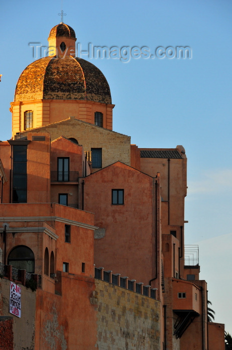 sardinia317: Cagliari, Sardinia / Sardegna / Sardigna: dome of St Mary's Cathedral above the houses of the Castle district - view from Terrazza Umberto I - quartiere Castello - photo by M.Torres - (c) Travel-Images.com - Stock Photography agency - Image Bank