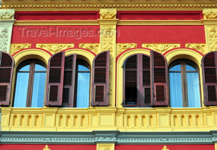 sardinia341: Cagliari, Sardinia / Sardegna / Sardigna: windows of Palazzo Putzu-Spano - French shutters on via Roma - quartiere Marina - photo by M.Torres - (c) Travel-Images.com - Stock Photography agency - Image Bank