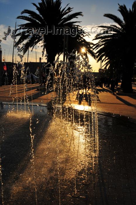 sardinia365: Cagliari, Sardinia / Sardegna / Sardigna: fountain by the harbour - Via Roma - Calata Roma - quartiere Marina - photo by M.Torres - (c) Travel-Images.com - Stock Photography agency - Image Bank