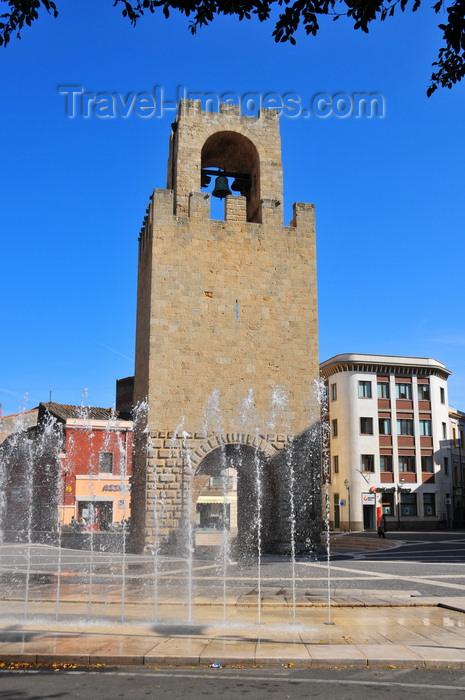 sardinia40: Oristano / Aristanis, Oristano province, Sardinia / Sardegna / Sardigna: fountain and tower of San Cristoforo / Mariano II / Porta Manna - piazza Roma - photo by M.Torres - (c) Travel-Images.com - Stock Photography agency - Image Bank