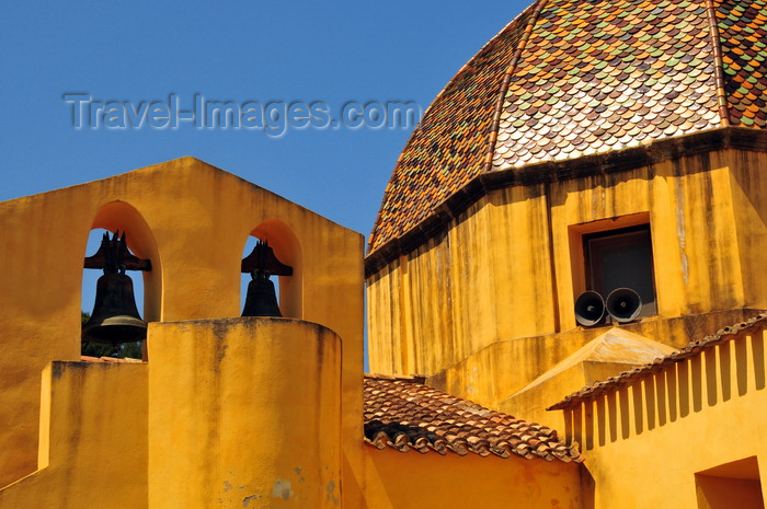 sardinia64: Las Plassas / Is Pratzas, Medio Campidano province, Sardinia / Sardegna / Sardigna: Church of Santa Maria Maddalena - dome and its famous bronze bells - yellow against the blue sky - photo by M.Torres - (c) Travel-Images.com - Stock Photography agency - Image Bank