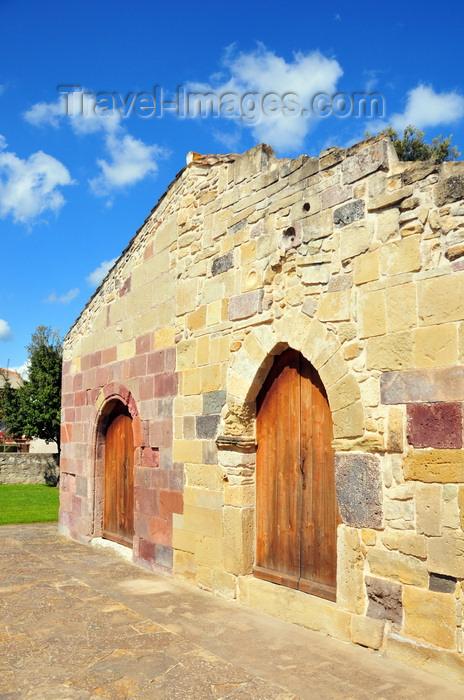 sardinia88: Barumini, Medio Campidano province, Sardinia / Sardegna / Sardigna: medieval church of San Giovanni Battista, consacrated in 1316 - photo by M.Torres - (c) Travel-Images.com - Stock Photography agency - Image Bank