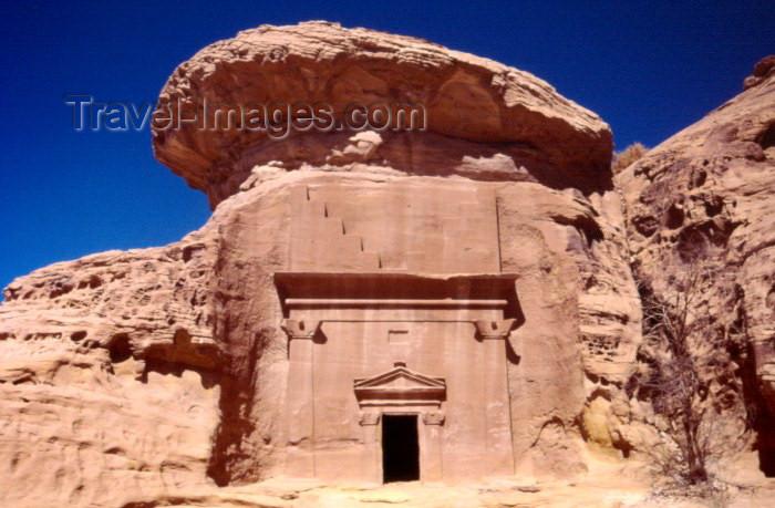 saudi-arabia117: Saudi Arabia - Madain Salah / Madain Saleh: tomb with hat (photo by F.Rigaud) - (c) Travel-Images.com - Stock Photography agency - Image Bank