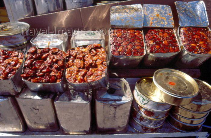 saudi-arabia12: Saudi Arabia - Asir province - Abha: dates at the market (photo by F.Rigaud) - (c) Travel-Images.com - Stock Photography agency - Image Bank
