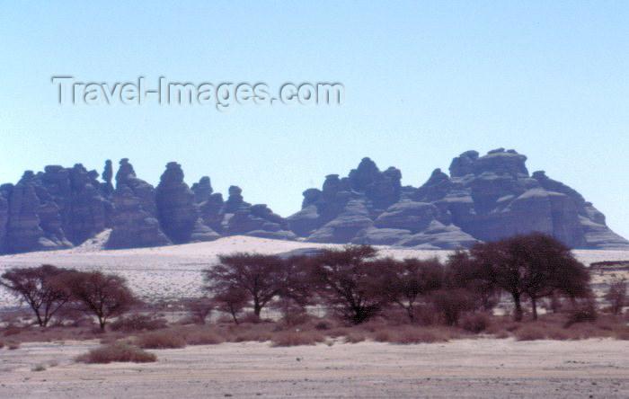saudi-arabia123: Saudi Arabia - Madain Salah / Hegra: silhouette - rock formations (photo by F.Rigaud) - (c) Travel-Images.com - Stock Photography agency - Image Bank