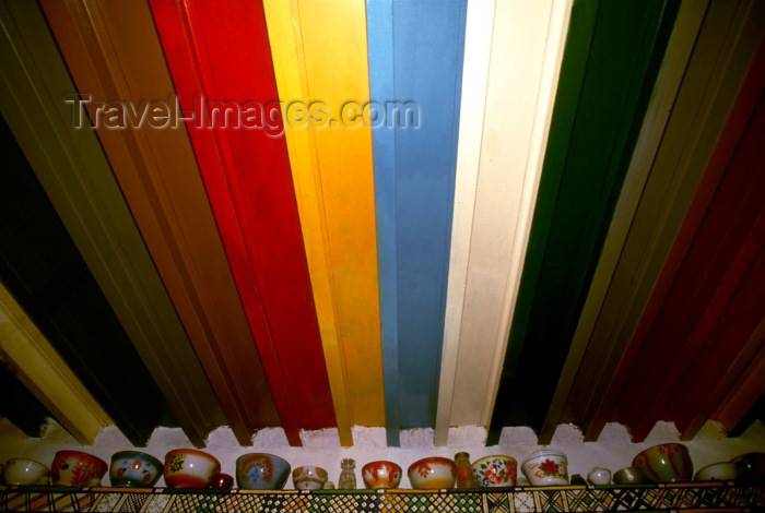 saudi-arabia132: Saudi Arabia - Asir province - Alma: rainbow ceiling (photo by F.Rigaud) - (c) Travel-Images.com - Stock Photography agency - Image Bank