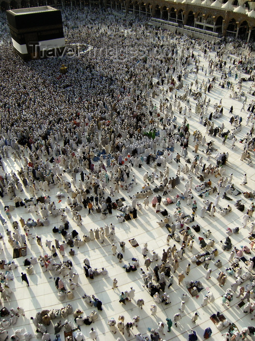 saudi-arabia153: Mecca / Makkah, Saudi Arabia: view from third floor of Haram Mosque where pilgrims wait for praying time facing the Kaaba - photo by A.Faizal - (c) Travel-Images.com - Stock Photography agency - Image Bank