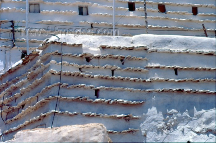 saudi-arabia16: Saudi Arabia - Asir province - Abha: mud walls - Bedouin architecture (photo by F.Rigaud) - (c) Travel-Images.com - Stock Photography agency - Image Bank