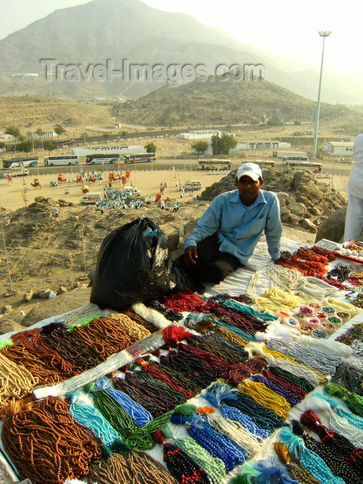 saudi-arabia165: Mecca / Makkah, Saudi Arabia: beads seller at Arafah, during hajj season - the beads are normally used by Muslims after prayers - Hejaz region - photo by A.Faizal - (c) Travel-Images.com - Stock Photography agency - Image Bank