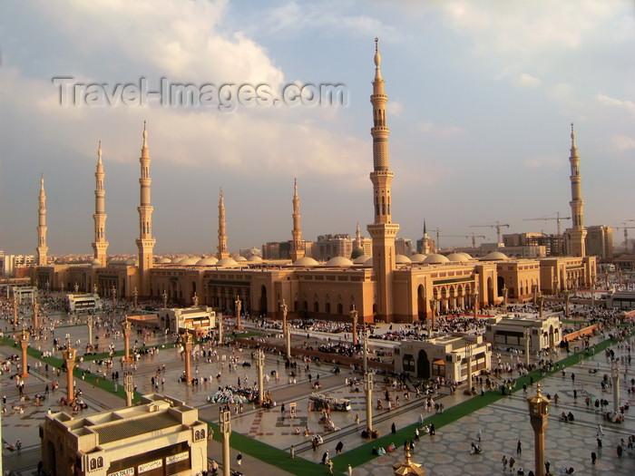 saudi-arabia170: Medina / Madinah, Saudi Arabia: Masjid Al Nabawi or Mosque of the Prophet - originally built by Muhammad, pbuh - photo by A.Faizal - (c) Travel-Images.com - Stock Photography agency - Image Bank