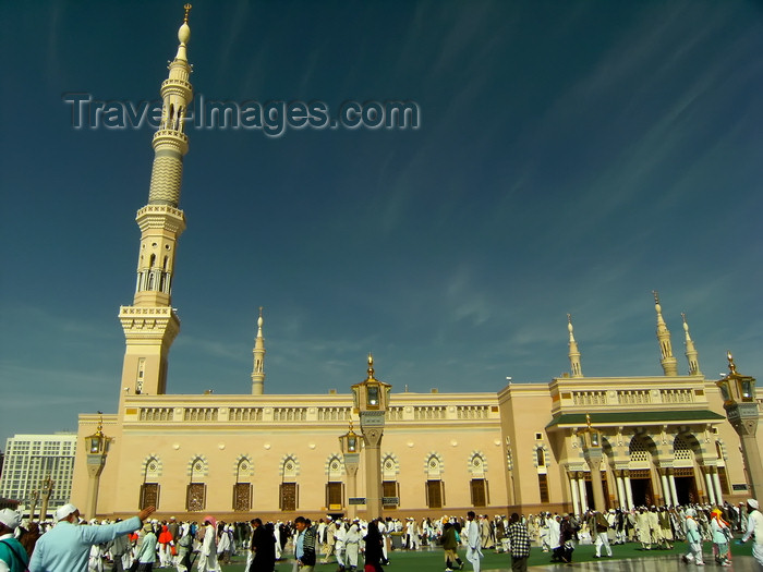saudi-arabia172: Medina / Madinah, Saudi Arabia: Masjid Al Nabawi or Mosque of the Prophet - front entrance in the afternoon at hajj season - photo by A.Faizal - (c) Travel-Images.com - Stock Photography agency - Image Bank