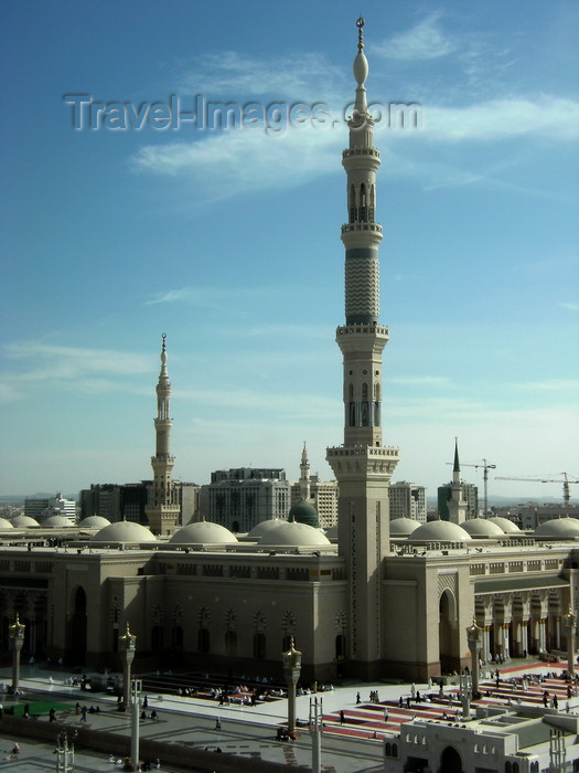 saudi-arabia173: Medina / al-Madinah al-Munawwarah, Saudi Arabia: Masjid Al Nabawi or Mosque of the Prophet - Muhammad pbuh lived where the dome is today after the Hijrah - photo by A.Faizal - (c) Travel-Images.com - Stock Photography agency - Image Bank