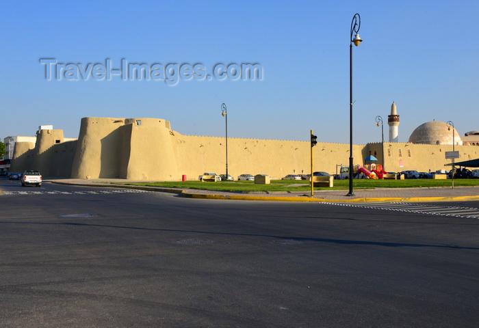 saudi-arabia96: Saudi Arabia - Dir'aiyah: perforated wall (photo by F.Rigaud) - (c) Travel-Images.com - Stock Photography agency - Image Bank