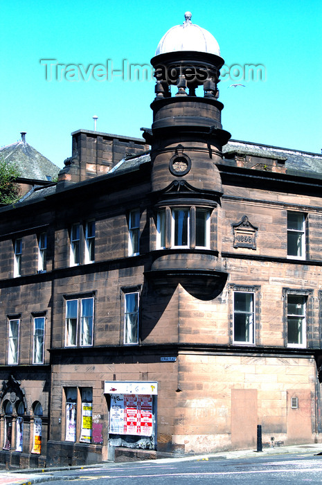 scot109: Scotland - Edinburgh: street scene, showing interesting architecture - photo by C.McEachern - (c) Travel-Images.com - Stock Photography agency - Image Bank