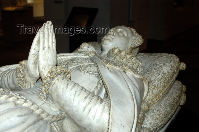 scot116: Scotland - Edinburgh: Statue of Mary, Queen of Scots in the Museum of Scotland - photo by C.McEachern - (c) Travel-Images.com - Stock Photography agency - Image Bank