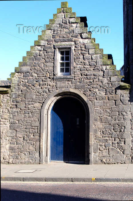 scot128: Scotland - Edinburgh: small house across the street from Canongate Kirk  - photo by C.McEachern - (c) Travel-Images.com - Stock Photography agency - Image Bank