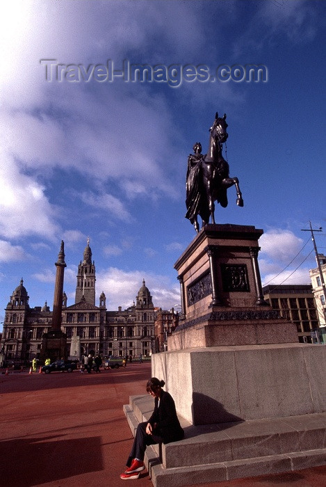 scot25: Scotland - Ecosse - Glasgow: George square / central square - equestrian statue of HM Queen Victoria by Baron Marochetti - photo by F.Rigaud - (c) Travel-Images.com - Stock Photography agency - Image Bank