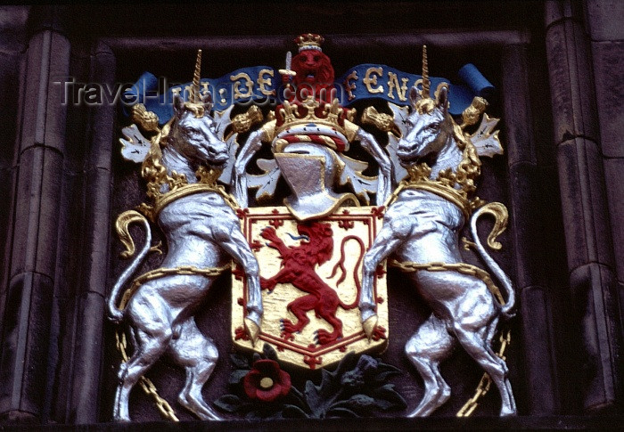 scot26: Scotland - Ecosse - Edinburgh: Scottish coat of arms - a lion rampant within a double tressure flory counter-flory Gules - photo by F.Rigaud - (c) Travel-Images.com - Stock Photography agency - Image Bank