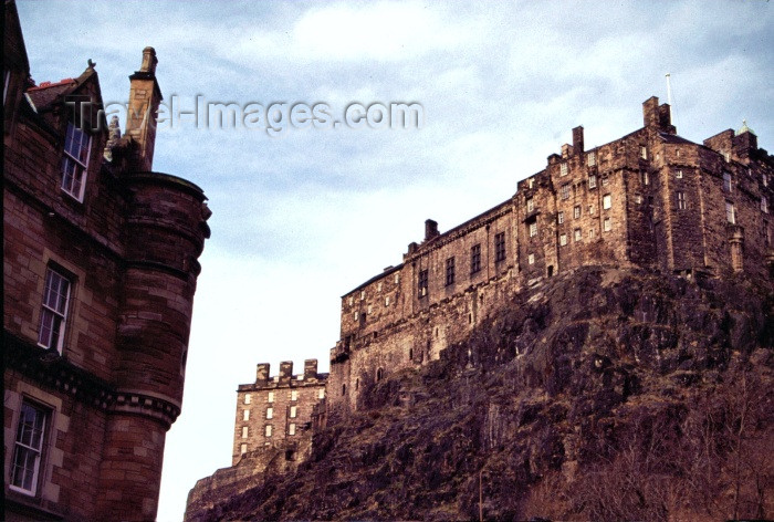 scot27: Scotland - Ecosse - Edinburgh: he castle - the old town -  UNESCO World Heritage Site - photo by F.Rigaud - (c) Travel-Images.com - Stock Photography agency - Image Bank