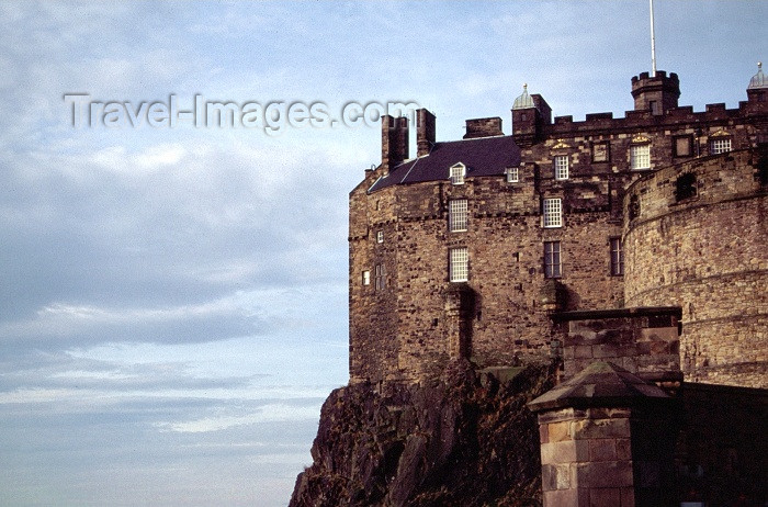 scot29: Scotland - Ecosse - Edinburgh: the castle - detail - cliff edge - photo by F.Rigaud - (c) Travel-Images.com - Stock Photography agency - Image Bank