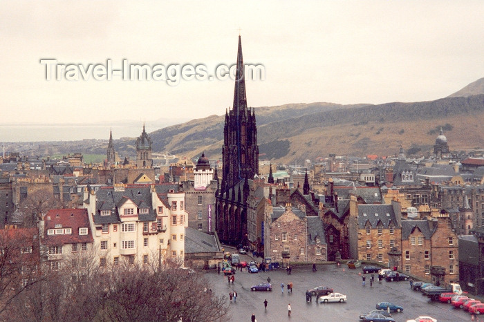 scot3: Scotland - Ecosse - Edinburgh: castle sq. - old town - Unesco world heritage site - photo by M.Torres - (c) Travel-Images.com - Stock Photography agency - Image Bank